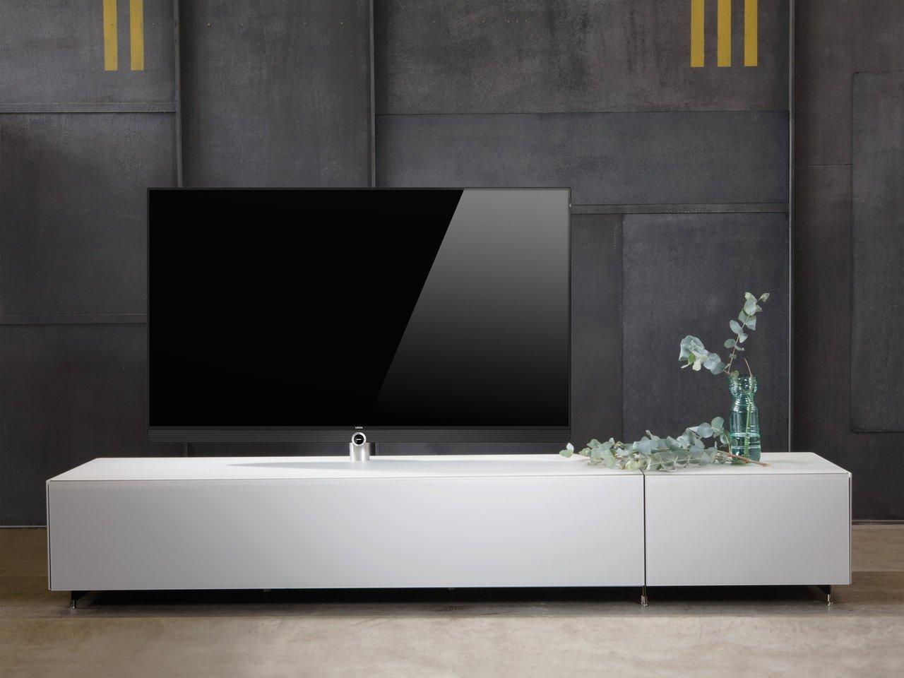 spectral tv m bel ma geschneidert f r loewe produkte loewe. Black Bedroom Furniture Sets. Home Design Ideas