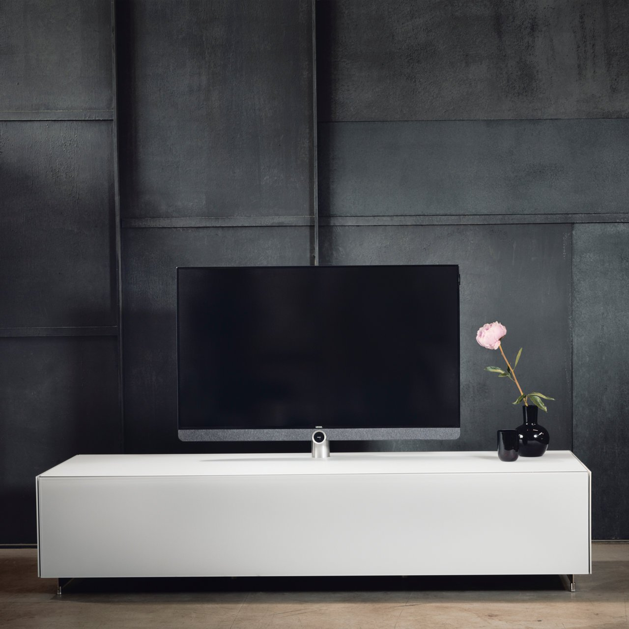 spectral tv unit tailor made for loewe products loewe. Black Bedroom Furniture Sets. Home Design Ideas
