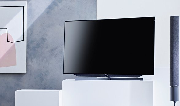 loewe premium home entertainment tv home cinema. Black Bedroom Furniture Sets. Home Design Ideas